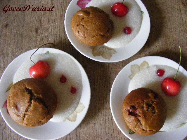 Tortine soffici ai frutti rossi con crema di cocco