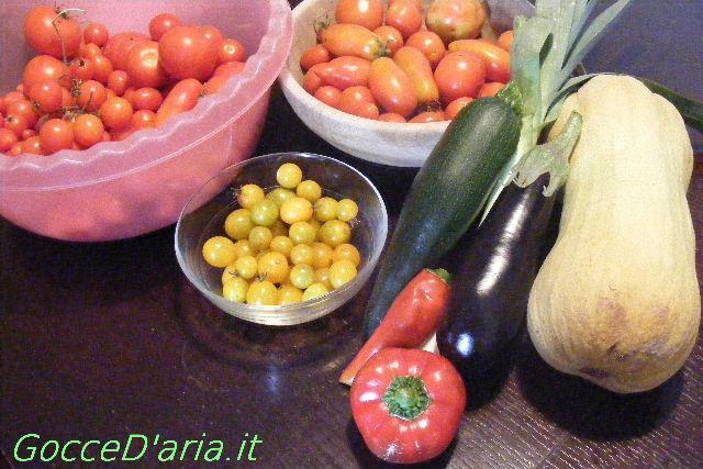 Conservazione dei semi dei semi di pomodoro e...