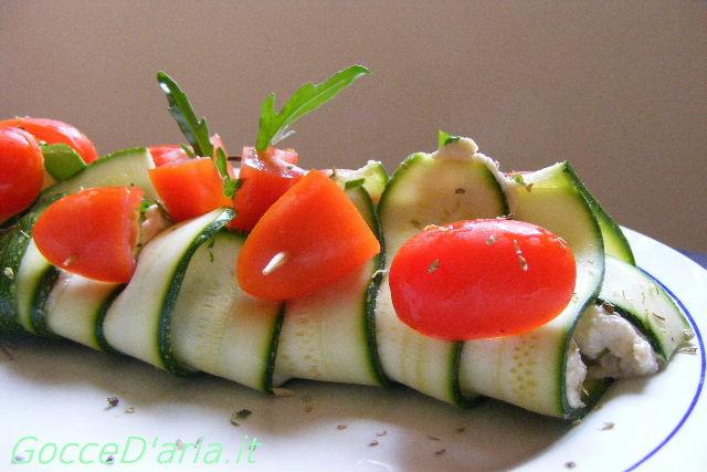 Rotolo di zucchine con formaggio di anacardi